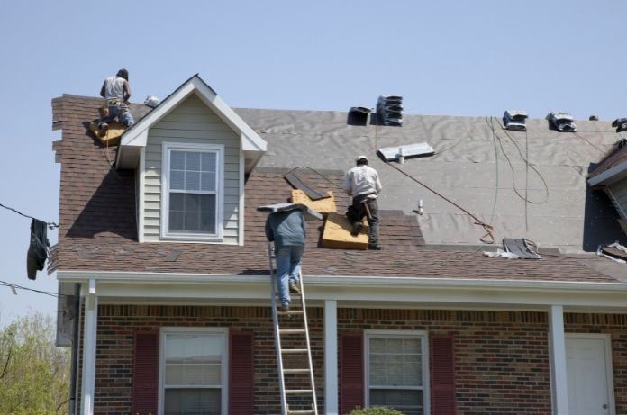 4 Sure Signs That You Have Faulty Roofing